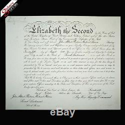 La Reine Elizabeth II A Signé Nomination Document Commission La Couronne Dowton Abbaye